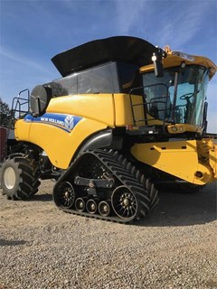 Combine For Sale:  2014 New Holland CR9090