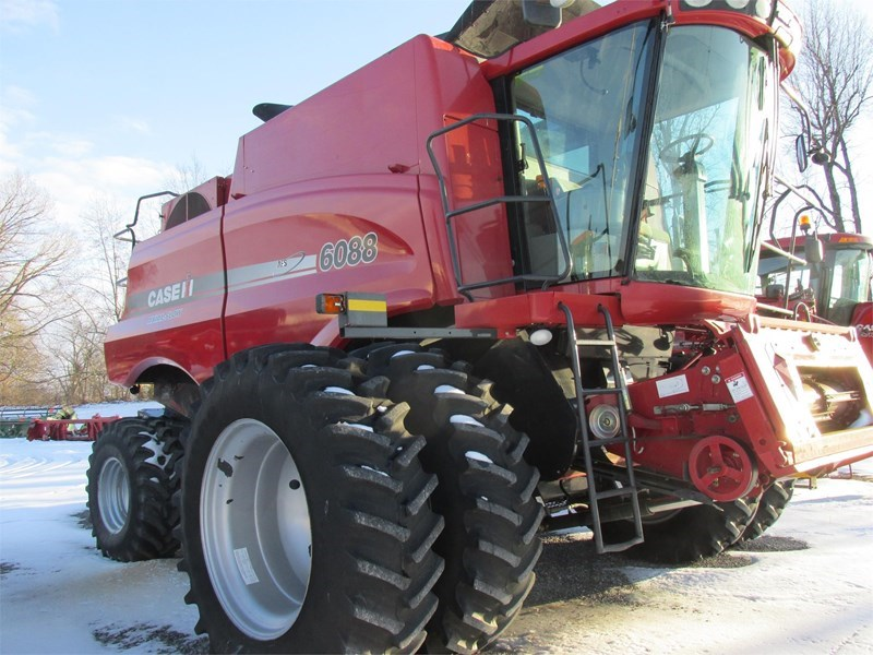 Case IH 6088 Combine For Sale