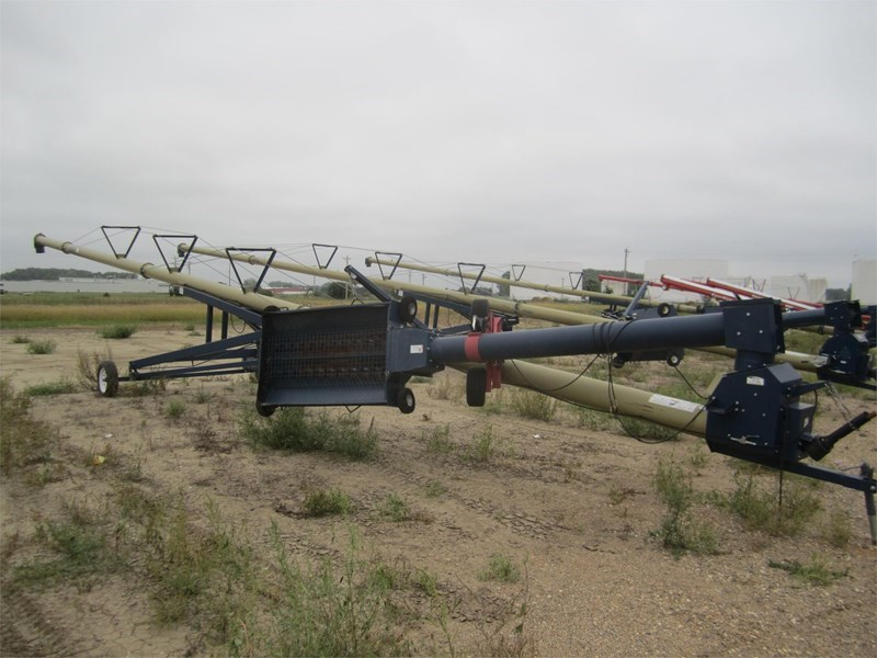 2011 Harvest International H1072 Auger-Portable For Sale
