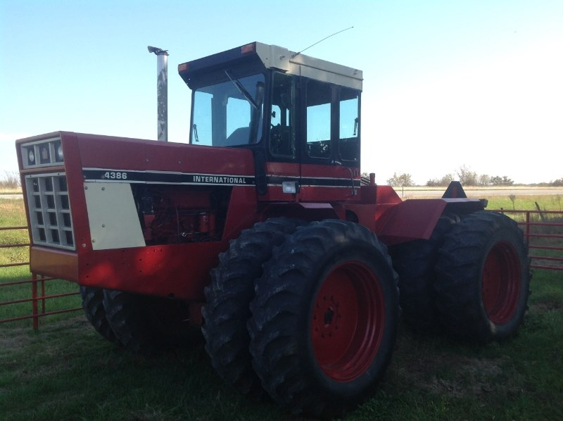 International 4386 Tractor For Sale
