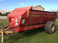 Manure Spreader-Dry/Pull Type For Sale Meyer 2636