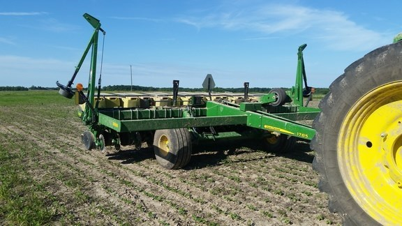 2017 John Deere 1785 Planter For Sale