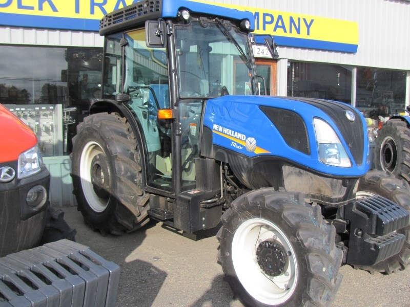 2017 New Holland T4.100F Tractor For Sale