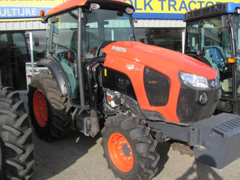 2017 Kubota M5N-111HDC Tractor For Sale