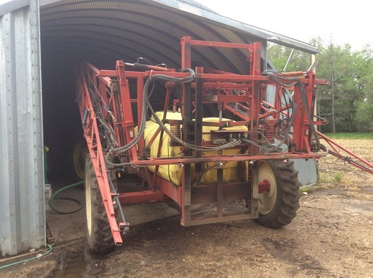 Hardi 1000 Sprayer-Pull Type For Sale