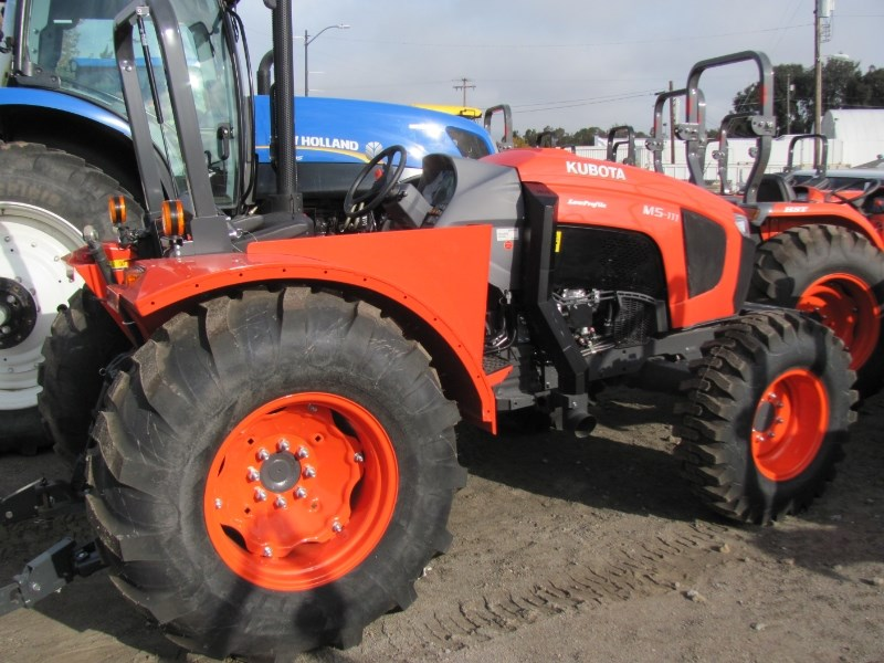 2016 Kubota M5L-111 Tractor For Sale