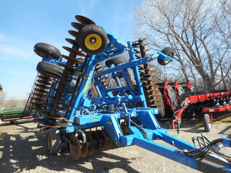 2011 Landoll 7431-26 Vertical Tillage For Sale