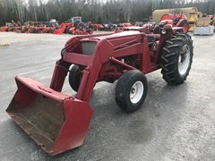 Tractor For Sale:   International 674