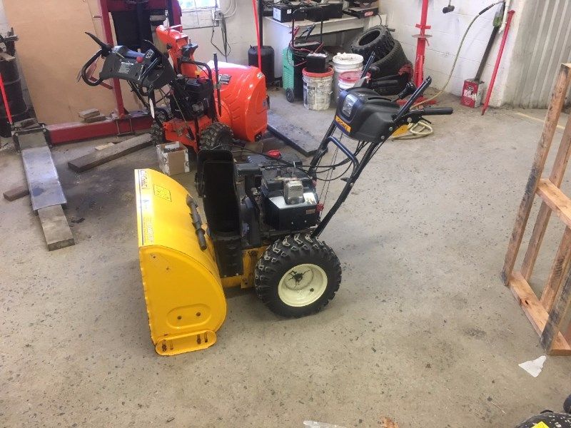 2005 Cub Cadet 10.5 HP Snow Blower For Sale