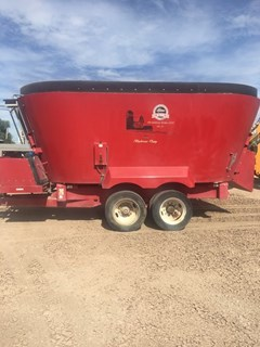 Feeder Wagon-Portable For Sale:  2013 Supreme 1200T