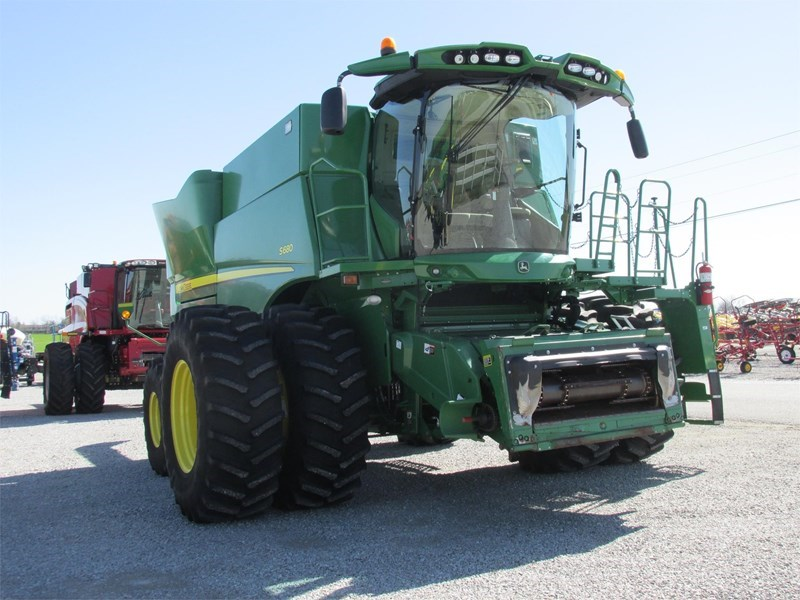 2015 John Deere S680 Combine For Sale