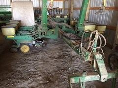 Planter For Sale:  1984 John Deere 7000