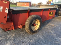 Manure Spreader-Dry/Pull Type For Sale H & S 235