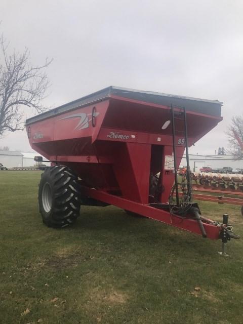 2011 Demco 850 Grain Cart For Sale