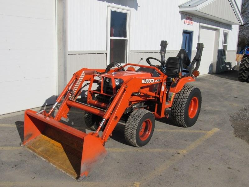 2005 Kubota B2410 Tractor For Sale