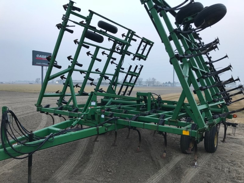 1998 John Deere 36.5 3BAR Field Cultivator For Sale