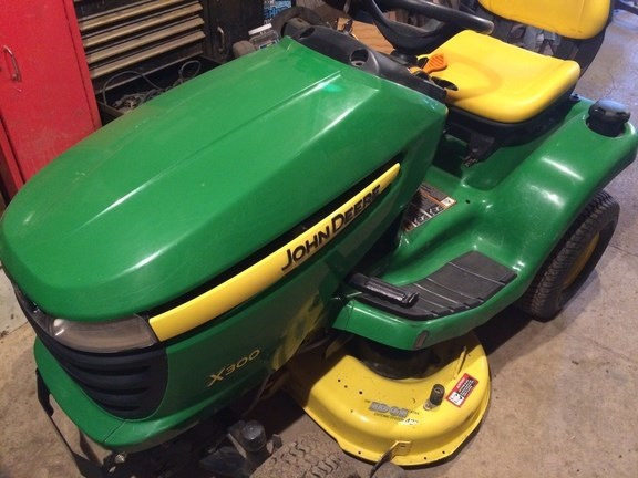 2011 John Deere X300 Riding Mower For Sale