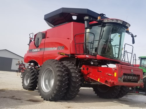 Combine For Sale:  2014 Case IH 8230