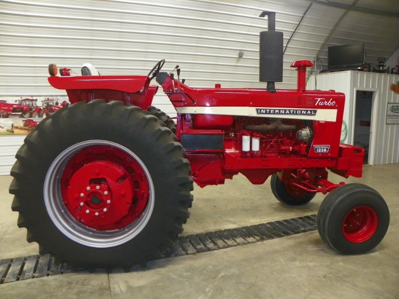 1969 IH 1256 Tractor For Sale