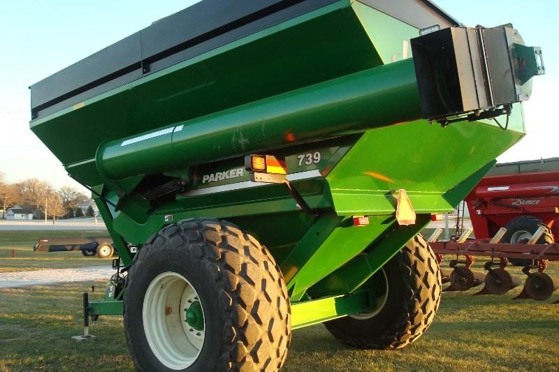 2011 Parker 739 Grain Cart For Sale