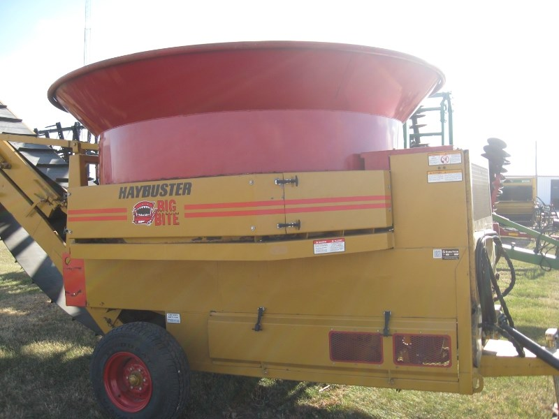2005 Haybuster H1000 Tub Grinder - Feed/Hay For Sale