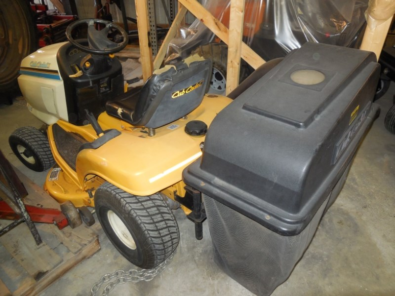 Cub Cadet AGS2140 Riding Mower For Sale