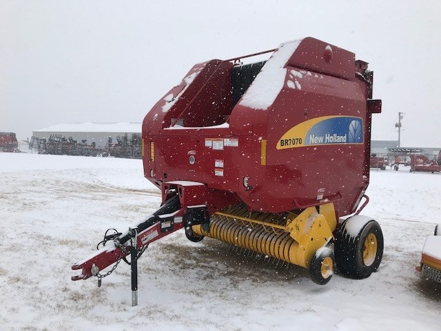 2013 New Holland BR7070 4X Baler-Round For Sale