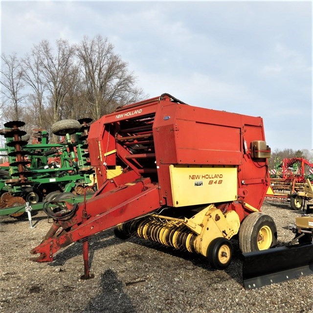 New Holland 848 Baler-Round For Sale