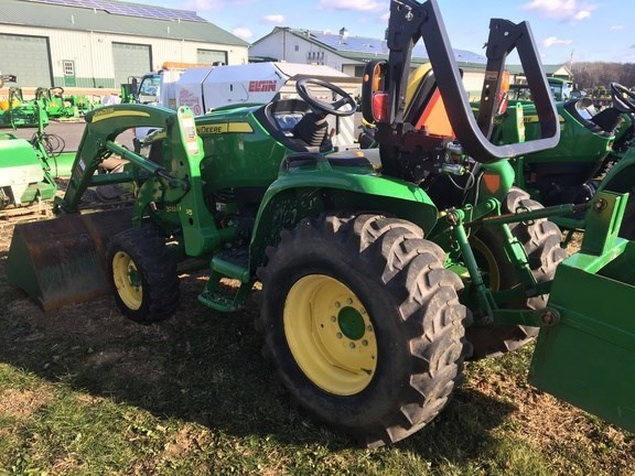 2014 John Deere 3033R Tractor For Sale