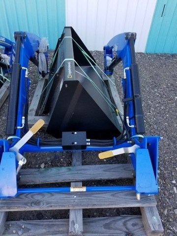 2016 New Holland 621TL Front End Loader Attachment For Sale