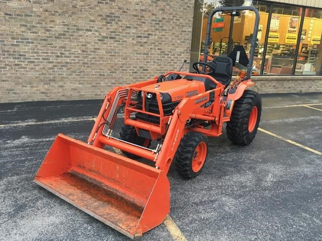 2004 Kubota B7800HSD Tractor For Sale