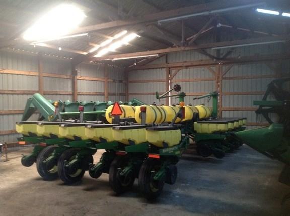 2000 John Deere 1770 Planter For Sale