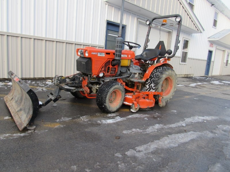 Kubota B7100 Tractor For Sale