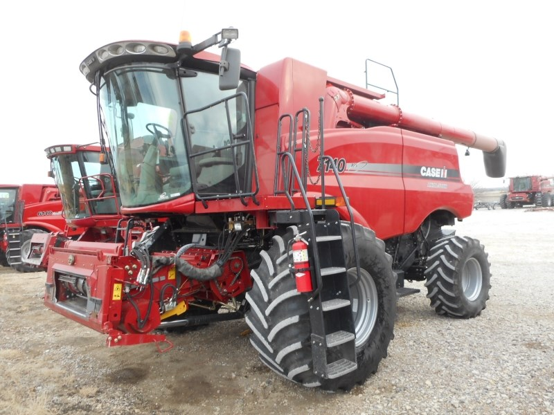 2014 Case IH 7140 Combine For Sale