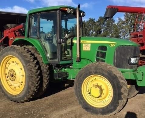 2009 John Deere 7330 Tractor