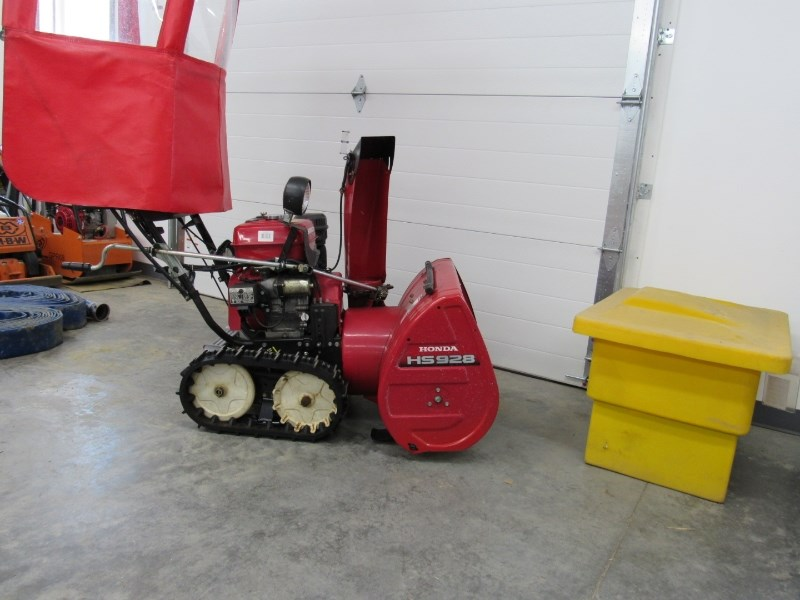 Honda HS928TAS Snow Blower For Sale