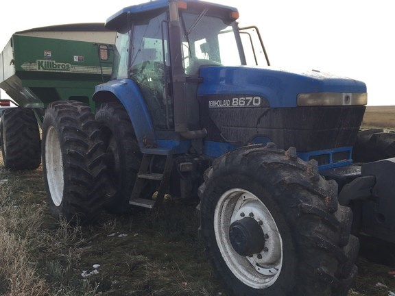 1995 New Holland 8670 Tractor For Sale