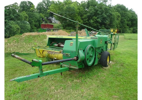 1988 John Deere 328 Baler-Square For Sale