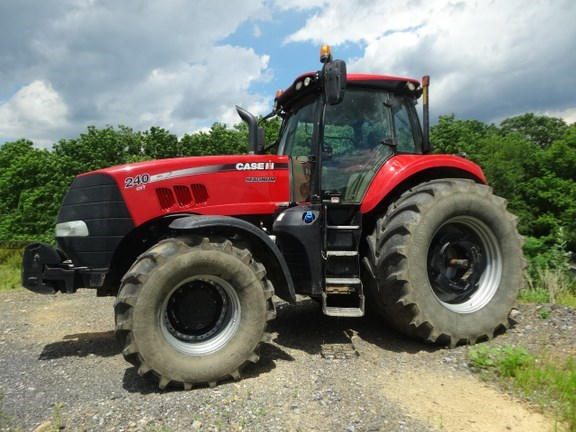 2015 Case IH MAGNUM 240 CVT Tractor For Sale