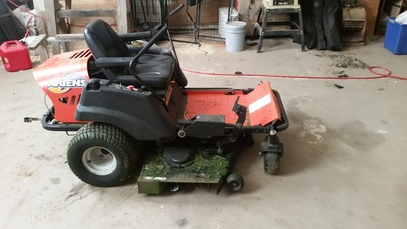 2003 Ariens Zoom 2252 Riding Mower For Sale