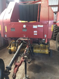 Baler-Round For Sale 2005 New Holland BR750