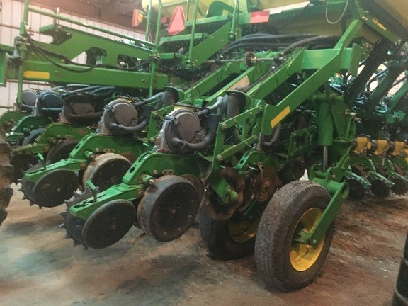 2004 John Deere 1790 Planter For Sale