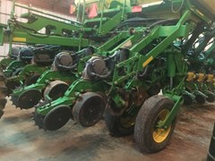 Planter For Sale:  2004 John Deere 1790