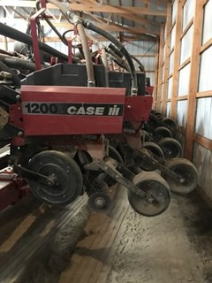 Planter For Sale:  Case IH 1200