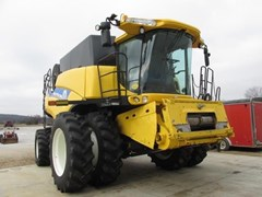 Combine For Sale 2013 New Holland CR7090