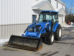 Tractor For Sale:   New Holland Boomer47