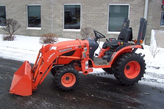 2010 Kubota B2320HSD Tractor For Sale