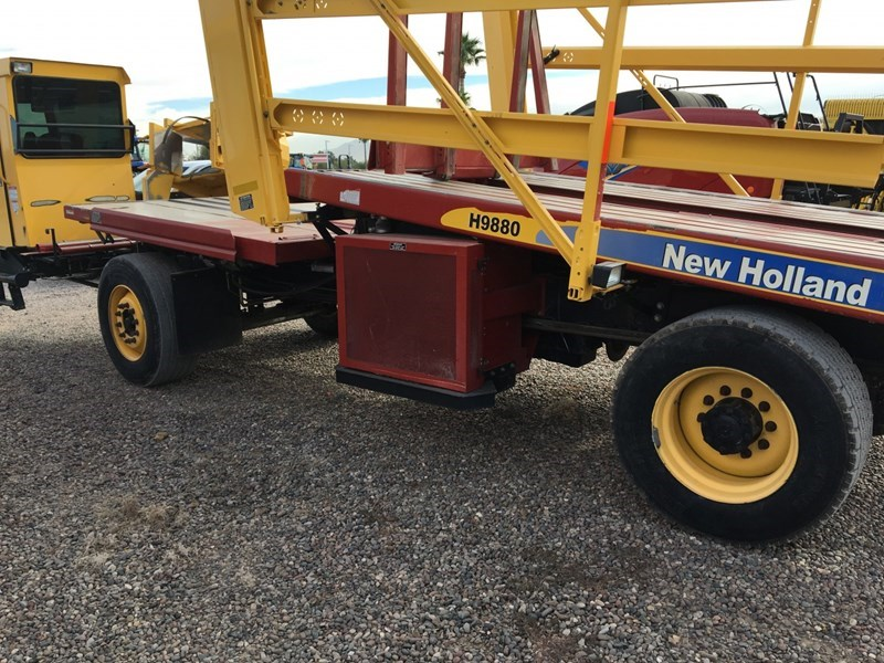 2014 New Holland H9880 Bale Wagon-Self Propelled For Sale