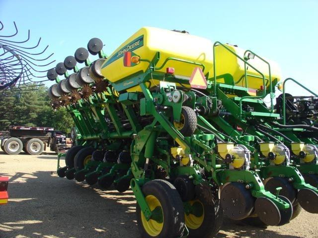 2005 John Deere 1790 16/31 Planter For Sale