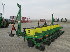 Planter For Sale:  2012 John Deere 1700